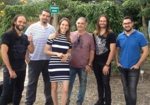 Banda Anjos de Resgate e a apresentadora Ana Paula Santos